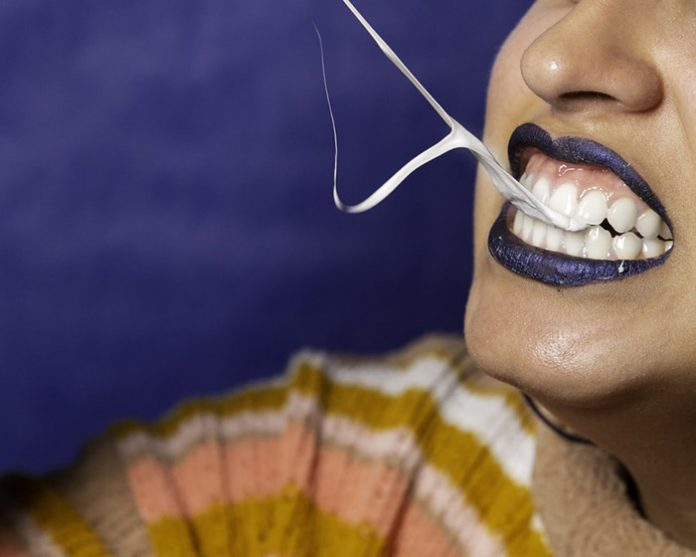 Бели зъби с фасети